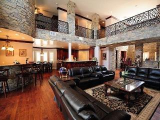 40% Disc-Mini Castles, 8 Guest Suites, 10 BA - Las Vegas vacation rentals