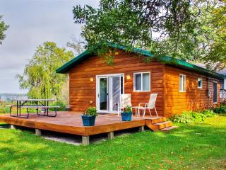 Attractive 2BR Lakefront Henning Cabin w/Fantastic Lake Views, Private Deck & Beautiful Sandy Beach - Easy Access to Fishing, Golf, Hiking & Many Outdoor Activities! - Henning vacation rentals