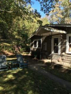 Cozy, cute and comfortable garage apartment - Asheville vacation rentals
