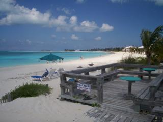 Enjoy turquoise waters of Treasure Cay Beach - Turtle Rocks vacation rentals