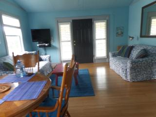 Nice House with Deck and Internet Access - Carolina Beach vacation rentals