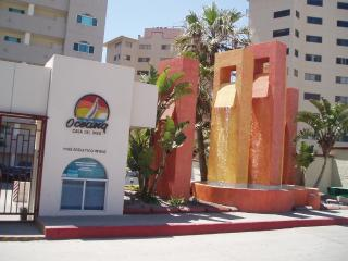 Comfortable 2 bedroom Rosarito Condo with Washing Machine - Rosarito vacation rentals