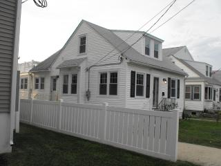 SINGLE BEACH HOUSE 4BR- sleeps 10+ - North Wildwood vacation rentals