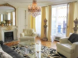 Luxury Vacation Apartment in the Heart of Saint Germain - 6th Arrondissement Luxembourg vacation rentals
