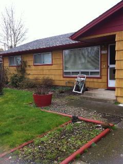 Nice home in quiet neighborhood. - Eugene vacation rentals