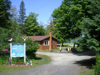 Cabin/cottages on Huron Bay, Upper Peninsula of MI - Skanee vacation rentals