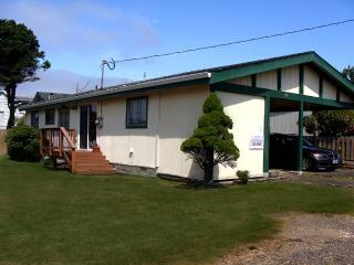 Retro Ranch -  Great in town location - Rockaway Beach vacation rentals