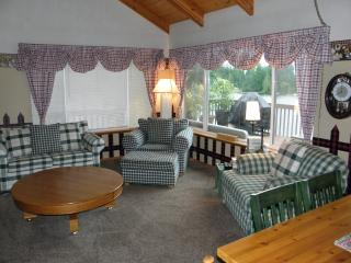Beautiful Family Friendly Lakehouse - Shelton vacation rentals