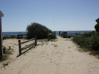 50 Steps to the Beach-Leave your snacks in fridge - Dennis Port vacation rentals