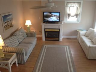 Comfortable House with Deck and Internet Access - Wildwood Crest vacation rentals