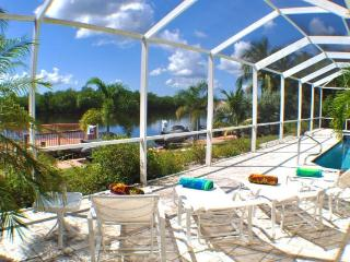 Villa Royale - the name says it all - Cape Coral vacation rentals