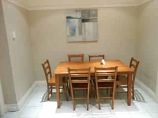 2 bedroom Apartment with Internet Access in Drummoyne - Drummoyne vacation rentals