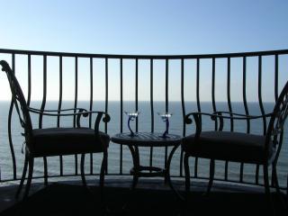 Five Star  Rating -  Romantic Couples Getaway - Myrtle Beach vacation rentals