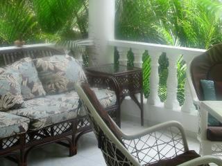 2 bedroom Condo with Internet Access in Costambar - Costambar vacation rentals