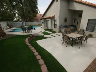 spa! pool! , PITCH & PUTT in yard,  GOLF Course - Henderson vacation rentals