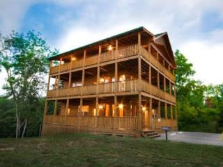 Bright Cabin with A/C and DVD Player - Sevierville vacation rentals
