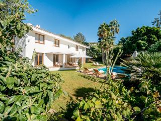 Prachtige villa, grote privacy tuin en zwembad! - Nuestra Senora de Jesus vacation rentals