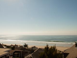 Gertie's Cabin with unobstructed ocean views! - Tillamook vacation rentals