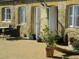 2 bedroom Barn with Internet Access in Bonchurch - Bonchurch vacation rentals