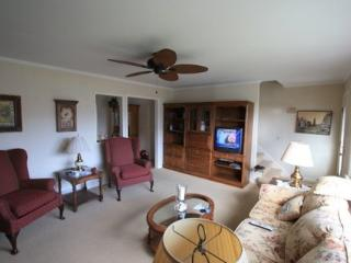 Pet Friendly Cozy 3-Bedroom Home With View of Lake - Point Pleasant Beach vacation rentals