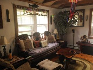 Jonny's TurnAround - Traditional RI Beach Cottage - South Kingstown vacation rentals