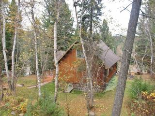 'River House' Secluded 3BR Hungry Horse Home w/Pool Table & Expansive Deck - Situated Along Flathead River, Near Glacier National Park! - Hungry Horse vacation rentals