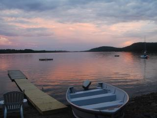 Cozy Cabin On Lake & Near Bay w/2 Kayaks,Canoe - Swanville vacation rentals