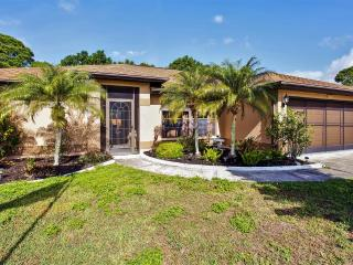 Lovely 3BR North Port House w/Screened Lanai, Private Pool & Wifi - Close Proximity to Beaches, Shopping & Many Notable Attractions in Sunny Florida! - North Port vacation rentals