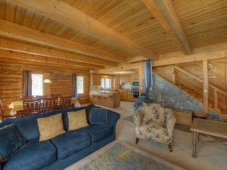 Wonderful Cabin with Dishwasher and Telephone - Donnelly vacation rentals