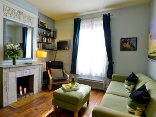 Quiet Artsy 1 Bedroom in Vibrant Bastille Area - 11th Arrondissement Popincourt vacation rentals
