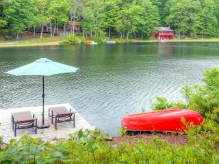 Warm & Contemporary 3BR Hawley House w/Private Dock, Fireplace & Wifi - Prime Waterfront Location on Florence Lake! Near Hiking, Biking & More - Hawley vacation rentals