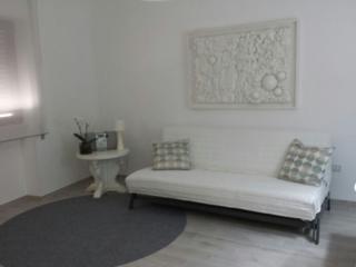 Romantic 1 bedroom Mesagne Apartment with A/C - Mesagne vacation rentals