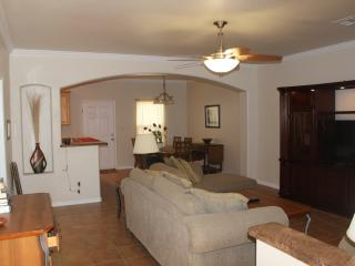 Nice House with Internet Access and Dishwasher - Corpus Christi vacation rentals