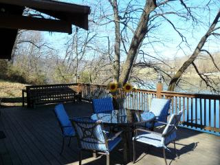 River Haven Cabin on the Shenandoah River!!!! - Elkton vacation rentals