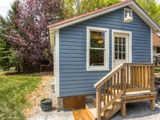 Americade Availability! Charming, Recently Renovated Bolton Landing Cottage w/Wifi & Private Patio – Great Adirondack Mountains Location! Walking Distance to Shops, Beaches & More - Bolton Landing vacation rentals