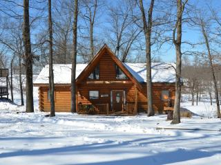 2 Master Suite All Wood Cabin nearBranson SPECIALS - Ridgedale vacation rentals