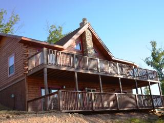 Amazing 6 Bdrm 5 Bth All Wood Cabin w/Spa SPECIALS - Ridgedale vacation rentals