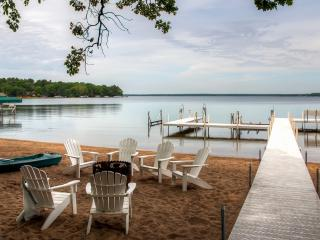 Reduced Early Summer Rates! Newly Remodeled 2BR / 3Bath Gull Haven Log-Sided Cabin w/Fireplace & 3 Season Sleeping Porch - Located on the Premier East Shore of Gull Lake! - Nisswa vacation rentals