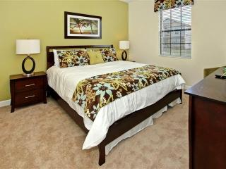 Luxurious 8 Bedroom Pool Villa 8 miles from Disney - Davenport vacation rentals