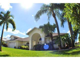 Villa Parrot Key - SOUTHERN exposure, hot tub - Cape Coral vacation rentals