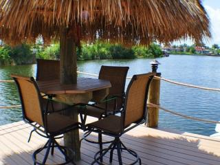 Villa Lista - NEW, Salt Water Pool & Spa, Tiki Hut - Cape Coral vacation rentals