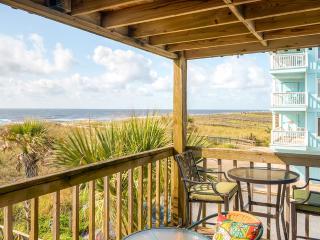 Serene 2BR Carolina Beach Oceanfront Condo w/Wifi, Private Walkway to Beach & Grilling Area - Walk to Boardwalk, Carolina Lake & More! - Carolina Beach vacation rentals