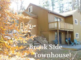 Family Comfort! STORYLAND-ShopHikeGolf- DEALS-4br! - Bartlett vacation rentals