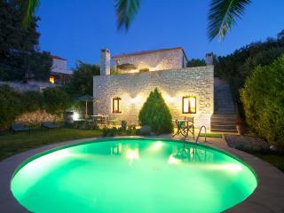 Villa Erato mit Swimming Pool & Meerblick - Prines vacation rentals