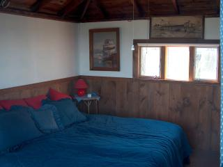 Beautiful Cottage with Deck and Internet Access - Gloucester vacation rentals