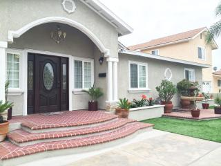 ldeal for big Groups or  Families - Anaheim vacation rentals
