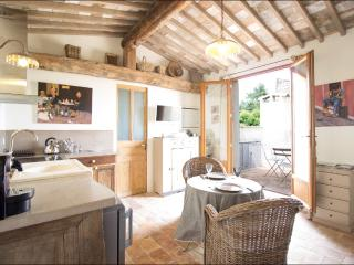 Le Nid d'Hirondelle - Lourmarin vacation rentals