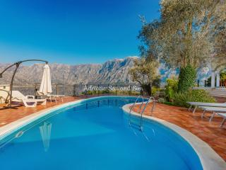 Nice Villa with Internet Access and A/C - Muo vacation rentals