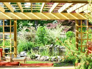 Beautiful Victorian 3 Bedroom apartment Suite - Saratoga Springs vacation rentals