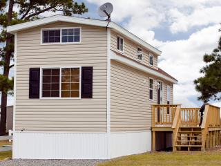 One Bedroom Cottage on Chesapeake Bay Resort! - New Point vacation rentals